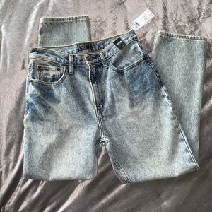 NWT Abercrombie acid washed mom jeans